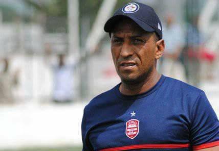 Ligue 2 : Les joueurs et entraîneurs étrangers interdits